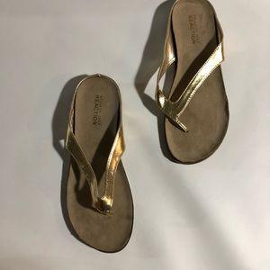 kenneth cole flip flops 8.5